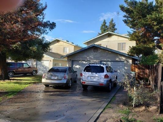 439-453 S 6th Street, Kerman, CA 93630 (#513581) :: Soledad Hernandez Group
