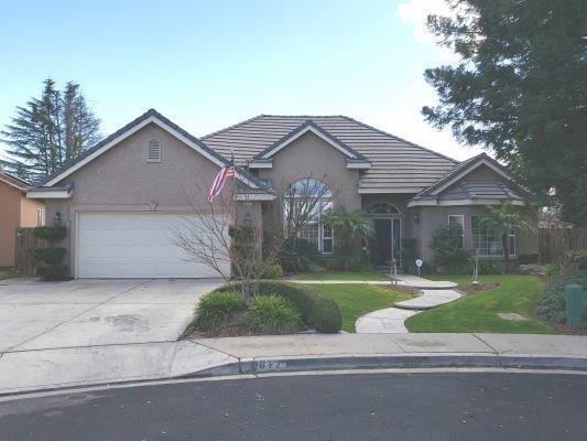 612 S Boyd Drive, Kerman, CA 93630 (#517820) :: Soledad Hernandez Group