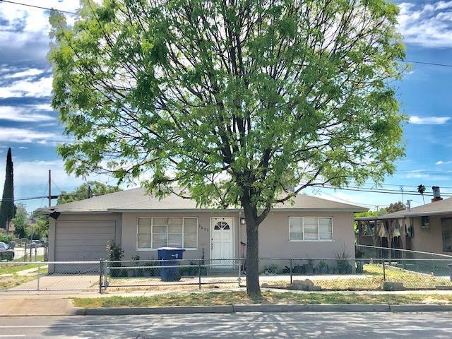 1442 E Jensen Avenue, Fresno, CA 93706 (#521748) :: FresYes Realty
