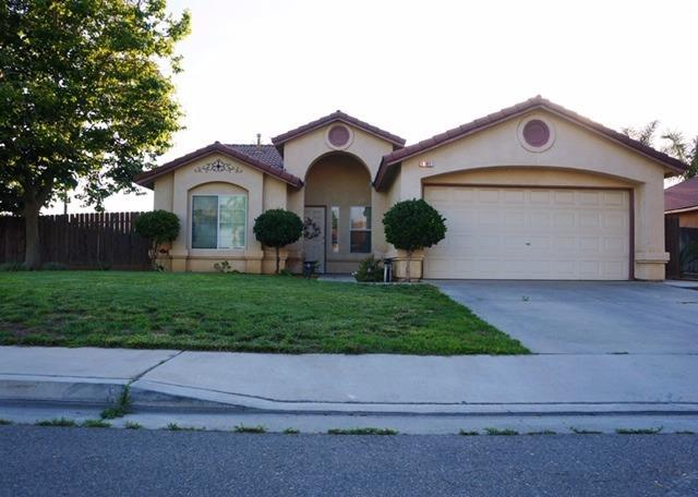 1101 Morgan Drive, Kingsburg, CA 93631 (#524338) :: FresYes Realty