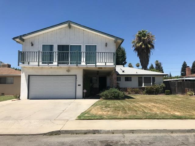322 N 2Nd Street, Fowler, CA 93625 (#526276) :: Raymer Realty Group