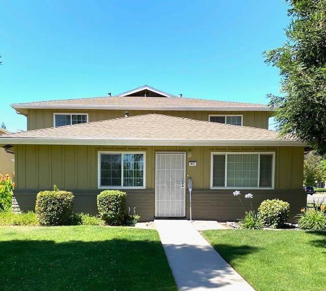 411 W Santa Ana Avenue #4, Clovis, CA 93612 (#542858) :: Twiss Realty