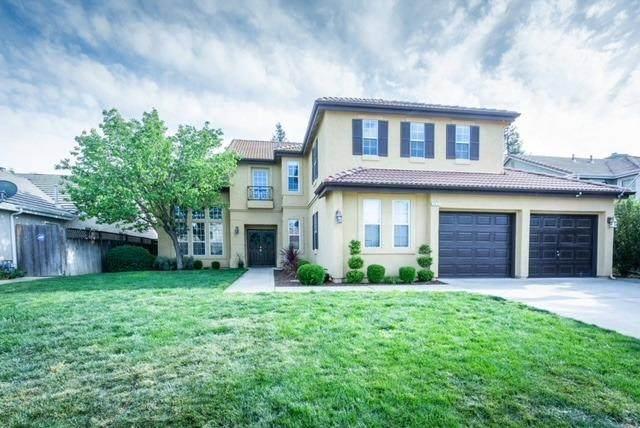1671 E La Quinta Avenue, Fresno, CA 93730 (#557323) :: Raymer Realty Group