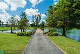 9320 Hollybrook Lake Dr - Photo 25