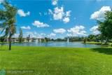 9320 Hollybrook Lake Dr - Photo 33