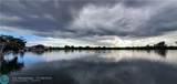 1060 Crystal Lake Dr - Photo 3