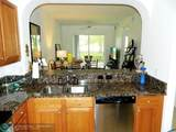 3600 Oaks Clubhouse Dr - Photo 18