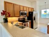 3600 Oaks Clubhouse Dr - Photo 4