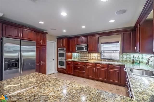 1639 NE 28th Street, Wilton Manors, FL 33334 (MLS #F10183300) :: The O'Flaherty Team