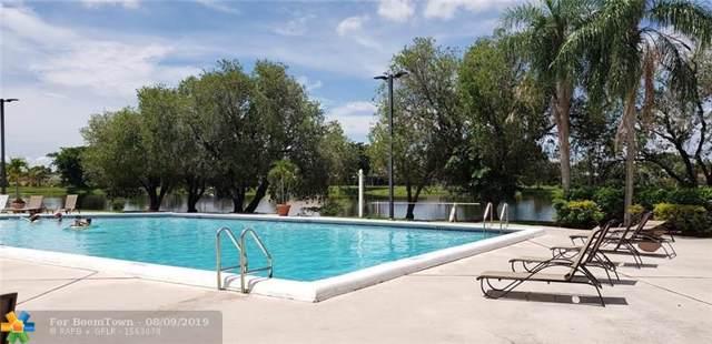 422 Lakeview Dr #204, Weston, FL 33326 (MLS #F10188777) :: Berkshire Hathaway HomeServices EWM Realty