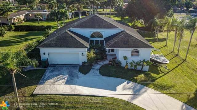 11460 SW 16th St, Davie, FL 33325 (MLS #F10190010) :: Berkshire Hathaway HomeServices EWM Realty