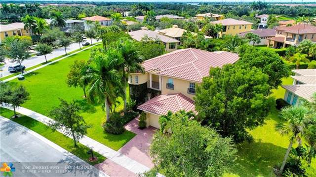 10885 NW 80th Cir, Parkland, FL 33076 (MLS #F10190513) :: United Realty Group