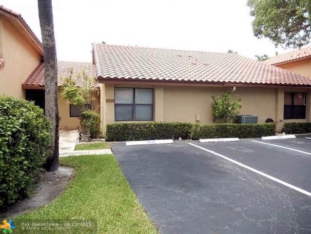 3039 Lake Shore Dr, Deerfield Beach, FL 33442 (MLS #F10194073) :: Green Realty Properties