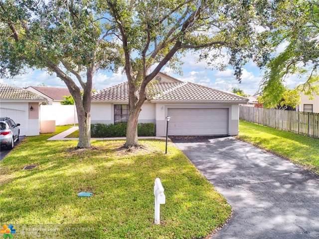 5860 Castlegate Ave, Davie, FL 33331 (MLS #F10210287) :: Castelli Real Estate Services