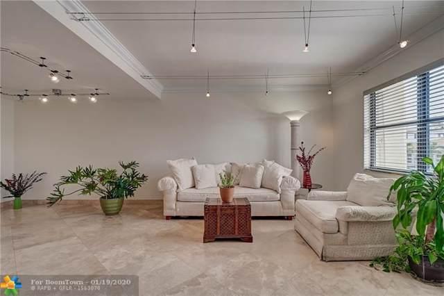341 Oregon St #1, Hollywood, FL 33019 (MLS #F10212440) :: Berkshire Hathaway HomeServices EWM Realty