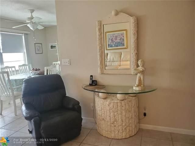 1061 Oakridge F #1061, Deerfield Beach, FL 33442 (MLS #F10216402) :: The Paiz Group
