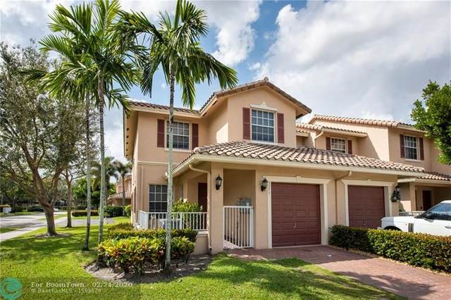 3371 Lakeside Dr #27, Davie, FL 33328 (#F10218006) :: Real Estate Authority