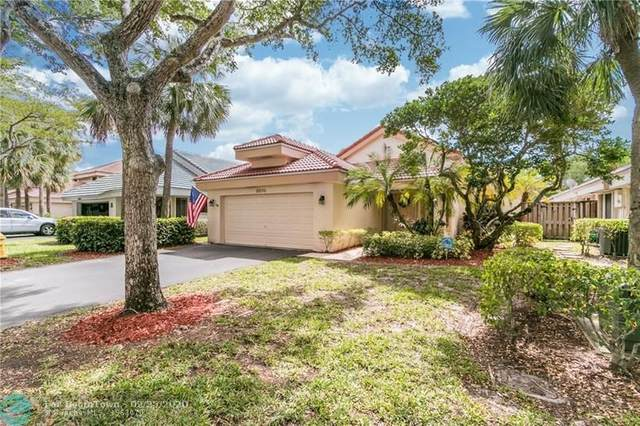 9370 NW 18th Mnr, Plantation, FL 33322 (MLS #F10218657) :: The Howland Group