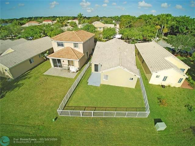 1525 Salerno Cir, Weston, FL 33327 (MLS #F10222740) :: The O'Flaherty Team