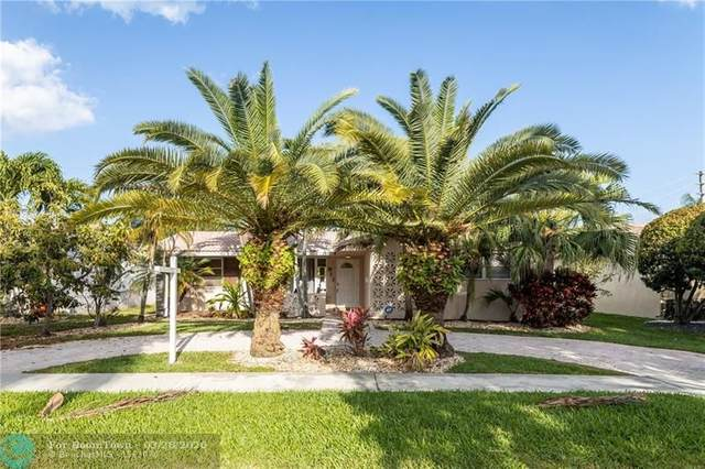 911 N 13th Ave, Hollywood, FL 33019 (MLS #F10223446) :: United Realty Group