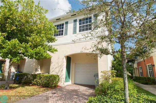 724 SW 2nd Lane #724, Pompano Beach, FL 33060 (MLS #F10224153) :: Castelli Real Estate Services