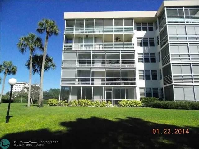 535 Oaks Dr #110, Pompano Beach, FL 33069 (MLS #F10226516) :: Laurie Finkelstein Reader Team