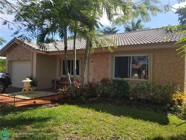 10418 NW 70th Ct, Tamarac, FL 33321 (MLS #F10230185) :: Berkshire Hathaway HomeServices EWM Realty