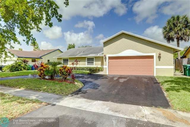 4541 NW 70th Ave, Lauderhill, FL 33319 (MLS #F10231017) :: Green Realty Properties