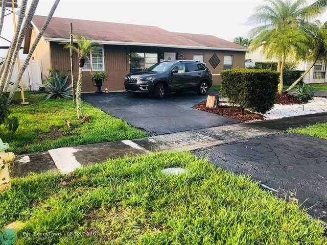 8241 SW 9th Ct, North Lauderdale, FL 33068 (MLS #F10231131) :: Laurie Finkelstein Reader Team