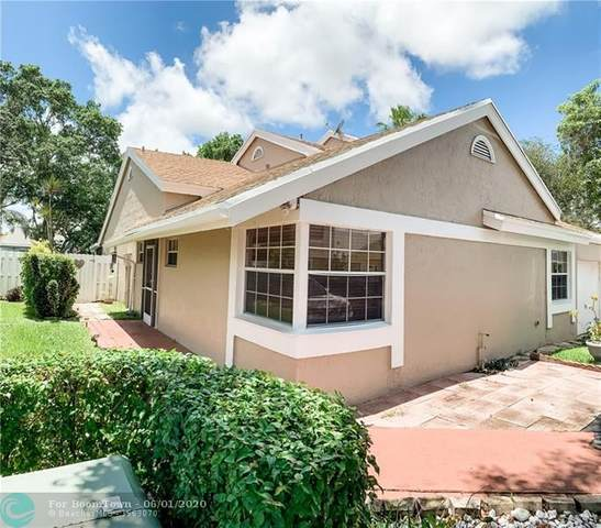 1051 SW 110th Ter, Davie, FL 33324 (MLS #F10231439) :: THE BANNON GROUP at RE/MAX CONSULTANTS REALTY I