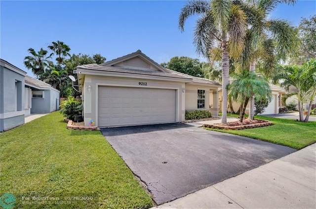 9212 Arborwood Cir, Davie, FL 33328 (MLS #F10231458) :: United Realty Group