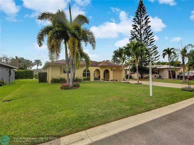 10702 NW 80th Ct, Tamarac, FL 33321 (MLS #F10231953) :: Castelli Real Estate Services