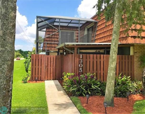 1305 SW 120th Way, Davie, FL 33325 (MLS #F10232331) :: The Paiz Group