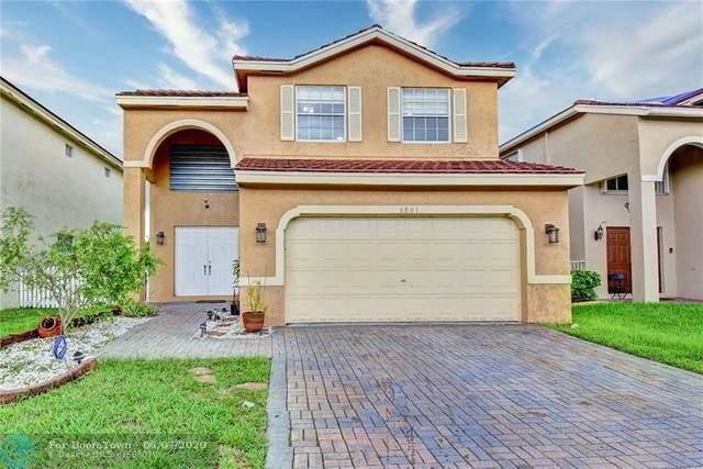 5901 S Sable Cir, Margate, FL 33063 (MLS #F10233015) :: Berkshire Hathaway HomeServices EWM Realty