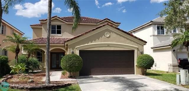 842 Tanglewood Cir, Weston, FL 33327 (MLS #F10238646) :: Berkshire Hathaway HomeServices EWM Realty
