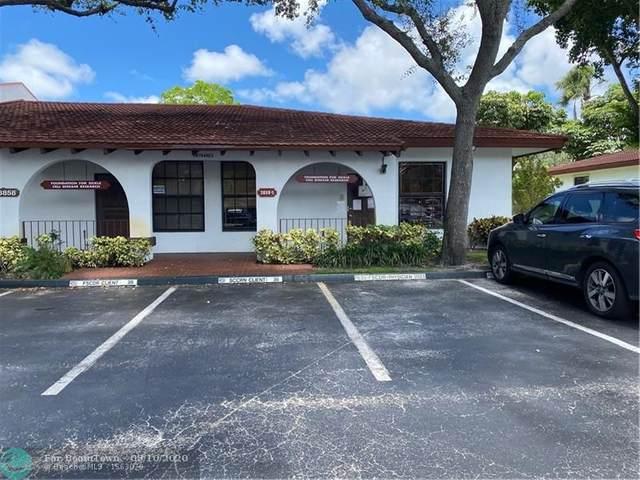 3858 S Sheridan St, Hollywood, FL 33021 (MLS #F10243352) :: Berkshire Hathaway HomeServices EWM Realty