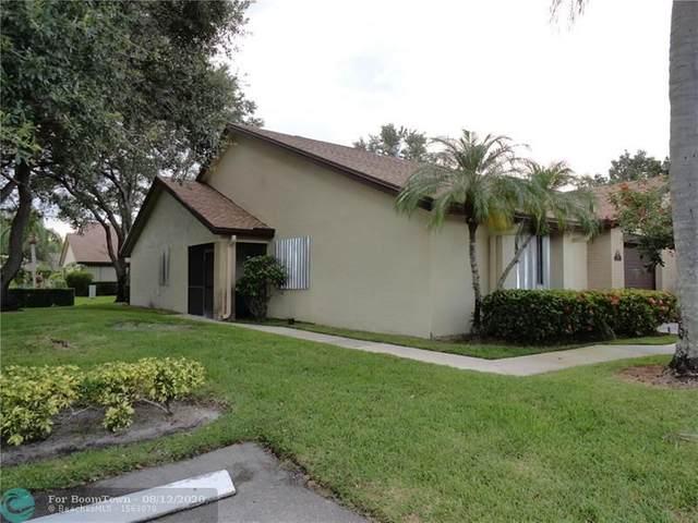 149 Meander Cir #149, Royal Palm Beach, FL 33411 (MLS #F10243608) :: Berkshire Hathaway HomeServices EWM Realty