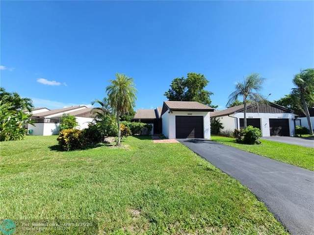 9302 Wedgewood Dr, Tamarac, FL 33321 (MLS #F10243999) :: Miami Villa Group