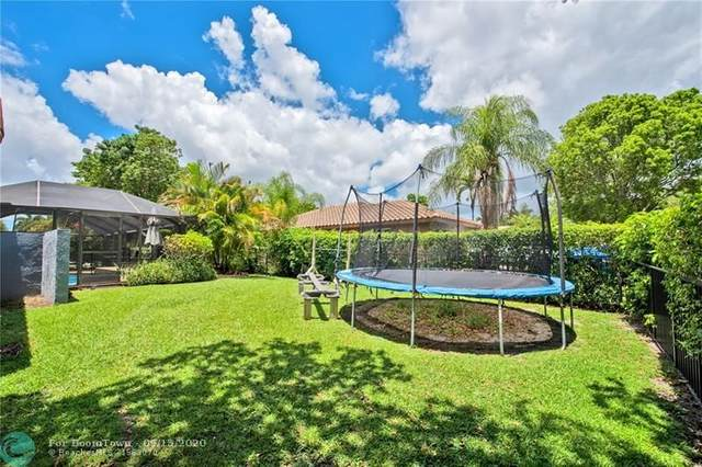 9033 NW 47th Ct, Coral Springs, FL 33067 (MLS #F10249022) :: Berkshire Hathaway HomeServices EWM Realty