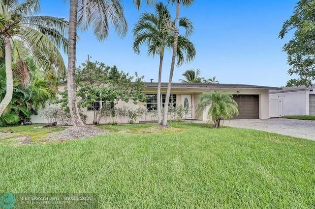 2219 SE 15th St, Pompano Beach, FL 33062 (MLS #F10250438) :: United Realty Group