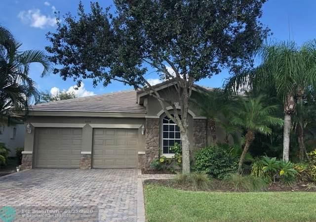 9726 Osprey Isles Blvd, Palm Beach Gardens, FL 33412 (#F10250447) :: Ryan Jennings Group