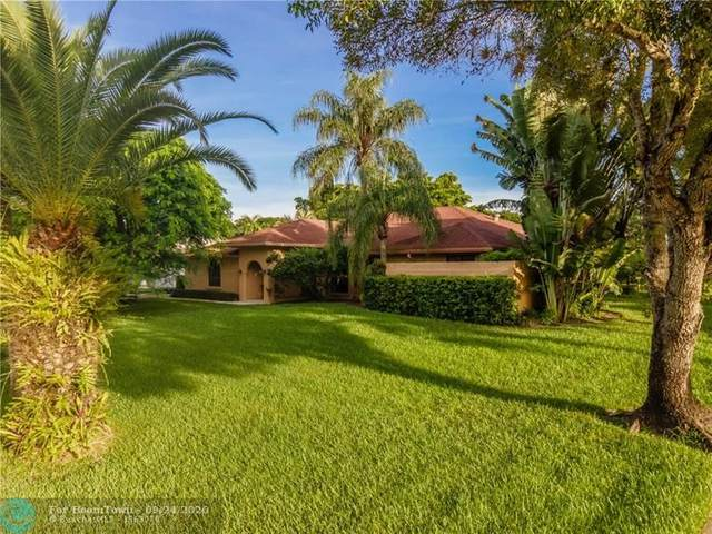 10261 SW 40th St, Davie, FL 33328 (MLS #F10250451) :: Green Realty Properties
