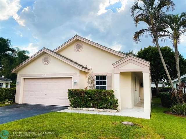 2761 Lake Park Cir W, Davie, FL 33328 (MLS #F10253041) :: Patty Accorto Team