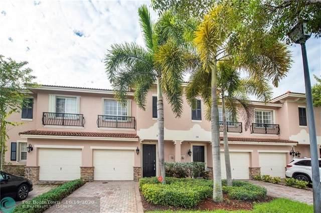 292 Las Brisas Cir, Sunrise, FL 33326 (MLS #F10253530) :: Castelli Real Estate Services