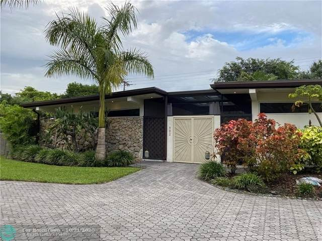 902 Fig Tree Ln, Plantation, FL 33317 (MLS #F10254773) :: Patty Accorto Team