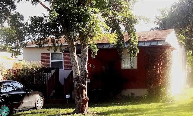 2542 N Wilson St, Hollywood, FL 33020 (MLS #F10255419) :: Berkshire Hathaway HomeServices EWM Realty