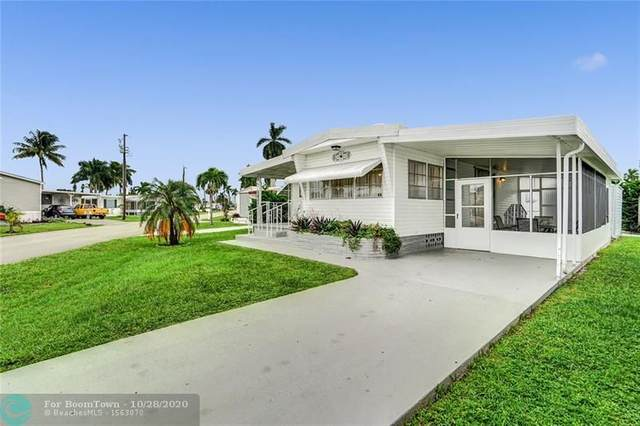 1951 SW 85th Ave, Davie, FL 33324 (MLS #F10255933) :: United Realty Group