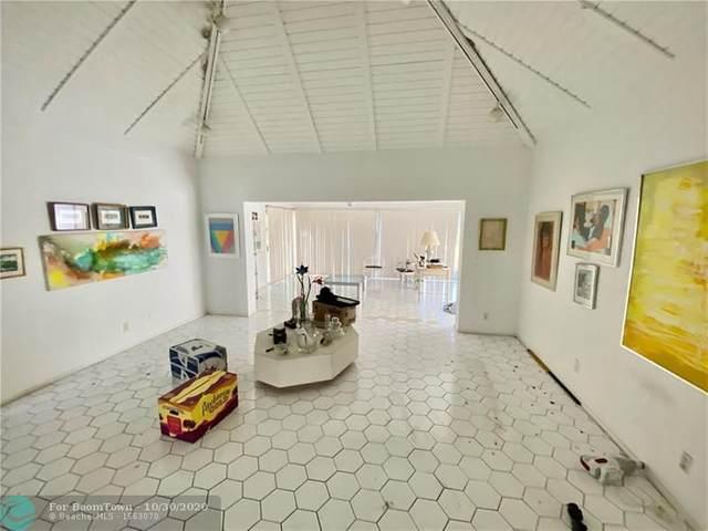 4805 Mango Dr, Tamarac, FL 33319 (MLS #F10256340) :: Berkshire Hathaway HomeServices EWM Realty