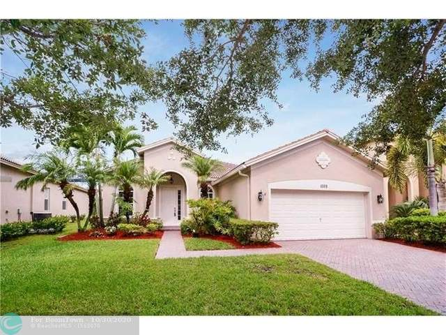 4109 W Whitewater Ave, Weston, FL 33332 (MLS #F10256380) :: Berkshire Hathaway HomeServices EWM Realty