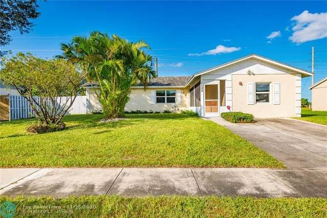 1088 Grandview Cir, Royal Palm Beach, FL 33411 (MLS #F10258961) :: The Paiz Group
